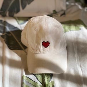 WHITE CAP WITH RED HEART